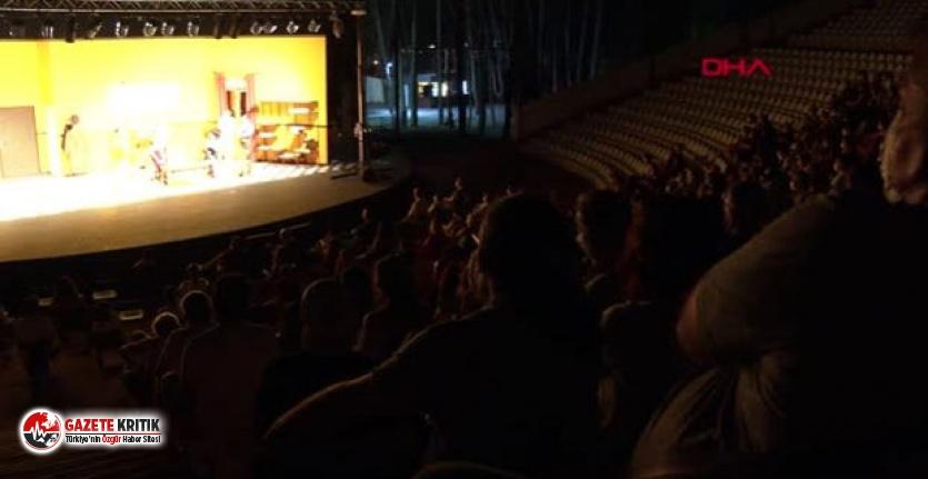 İstanbul'da açık havada tiyatro yasağı kalktı