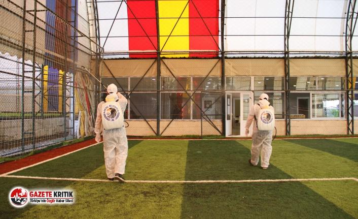 Kartal Belediyesi Spor Tesislerini Dezenfekte Ediyor