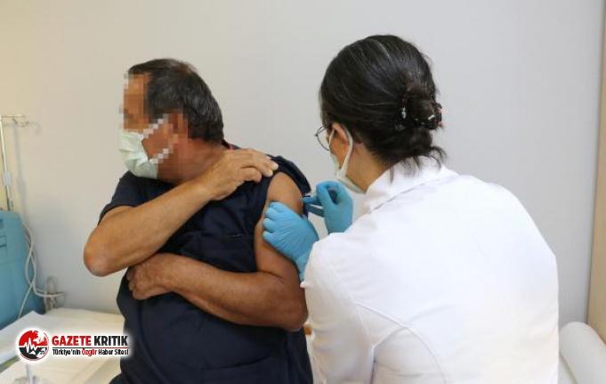 Türkiye'de ilk kez gönüllülere koronavirüs aşısı vuruldu
