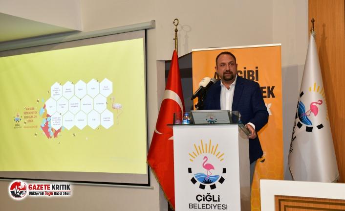 Başkan Utku Gümrükçü'den belediye personeline 500 Gün Sunumu