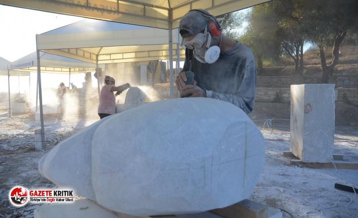 Neopolis'te Mermer Bloklar Hayat Bulmaya Başladı
