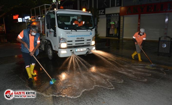 Büyükşehir'den Tarsus kent merkezinde temizlik çalışması