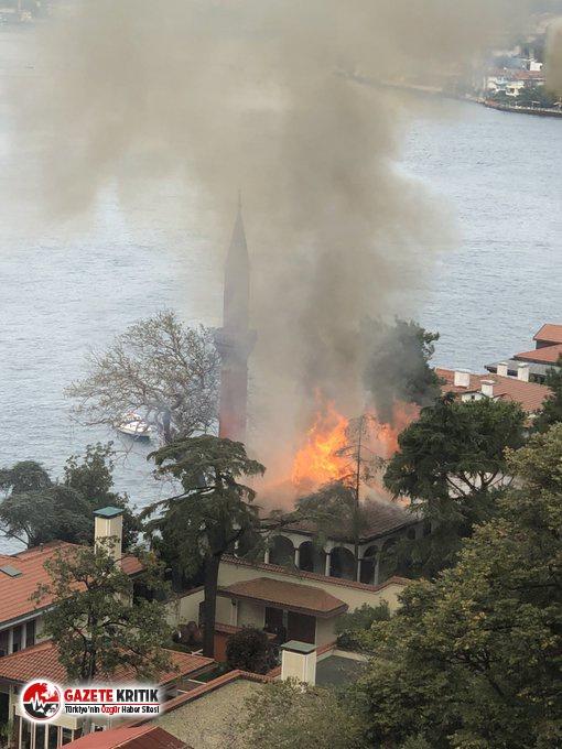 İstanbul Vaniköy'deki 350 yıllık Camii'de yangın!