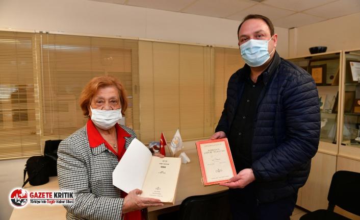 Başkan Utku Gümrükçü görme engelliler için kitap seslendirdi