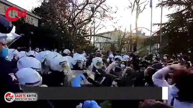 Boğaziçi Üniversitesi'nde öğrencilere polis müdahalesi