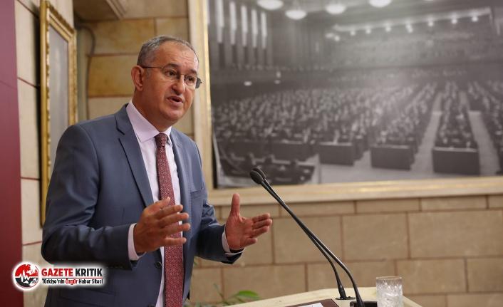 """CHP'nin gazeteci vekili Atila Sertel'den basın kartı çıkışı:  """"Gazetecilerin hakları yeniyor, yasalar açıkça çiğneniyor"""""""