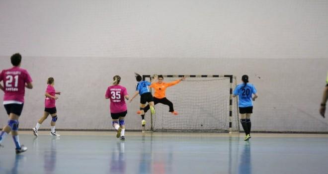 Dinçspor'un Sultanları TÜRKİYE Kupası'nda Üçte Üç Yaptı