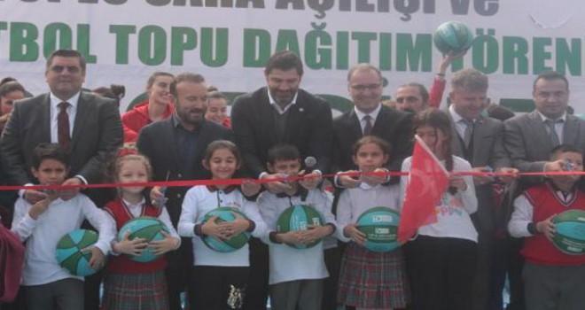 İzmit'te 'Haydi Sahaya' projesi ile 10 basketbol sahası açıldı