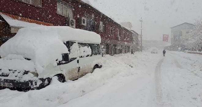 Çukurca kar altında