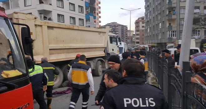 Rize'de hafriyat kamyonu dehşeti; Anne ve okula götürdüğü kızı öldü