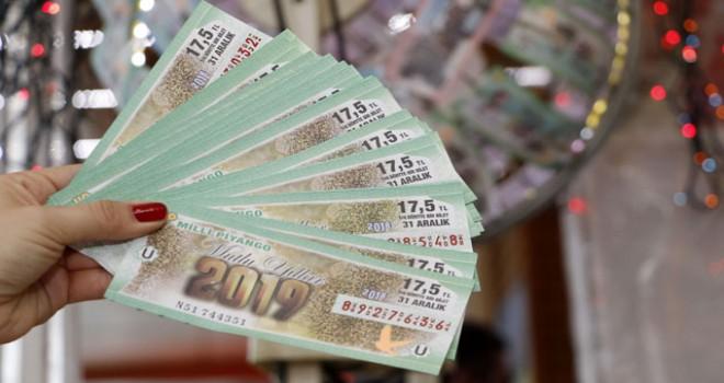 Milli Piyango biletleri satışa çıktı, Antalyalılar bayilere koştu