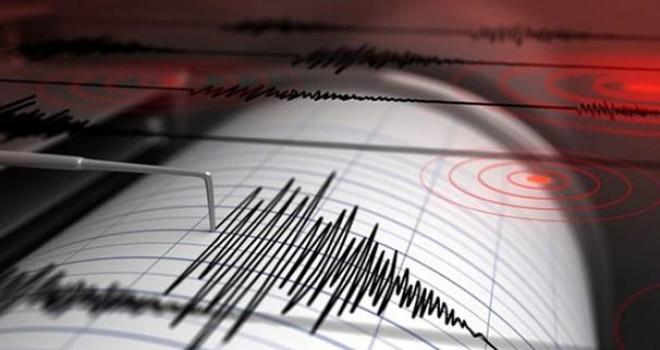 Antalya ve Van'da korkutan depremler!