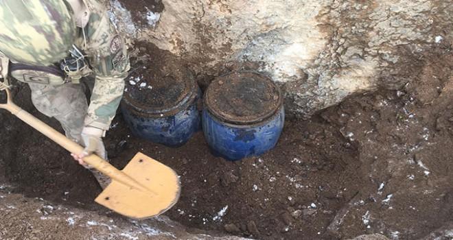 Van'da PKK'ya ait, silah mühimmat ve el bombaları bulundu