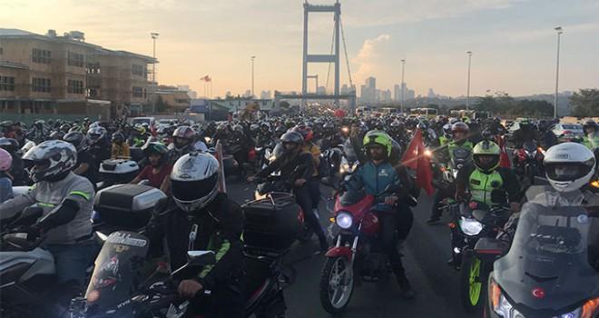 Motorculardan 15 Temmuz Şehitler Köprüsü'nde eylem