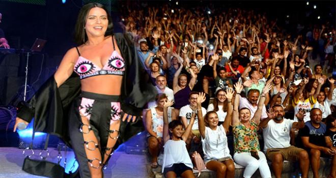 Rumen şarkıcı İnna, tatilcileri coşturdu