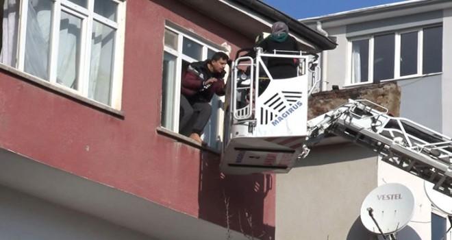 Ankara'da doğal gaz patlaması; yangında mahsur kalanlar kurtarıldı