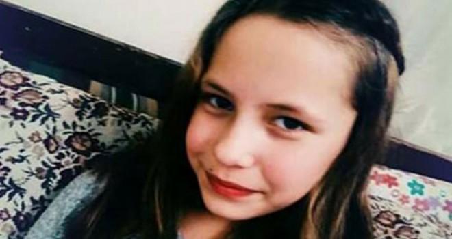 Balkonda akıma kapılan Yasemin ile kurtarmak isteyen annesi yaralandı