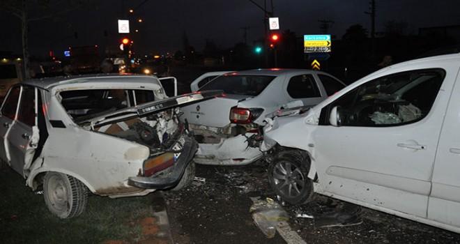 Gaziantep'te zincirleme trafik kazası: 5 yaralı