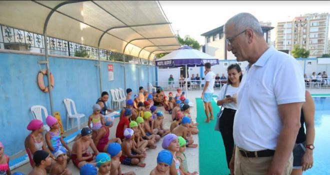 Mezitli'de yüzme kursuna yoğun ilgi