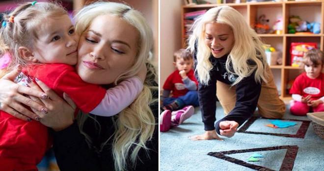 Rita Ora'dan Kosova Savaşı mağdurlarına destek