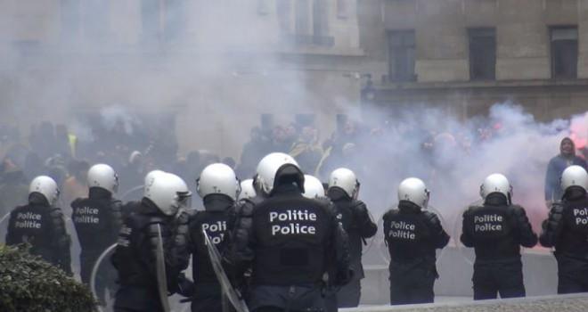 Brüksel karıştı! Polis müdahale ediyor