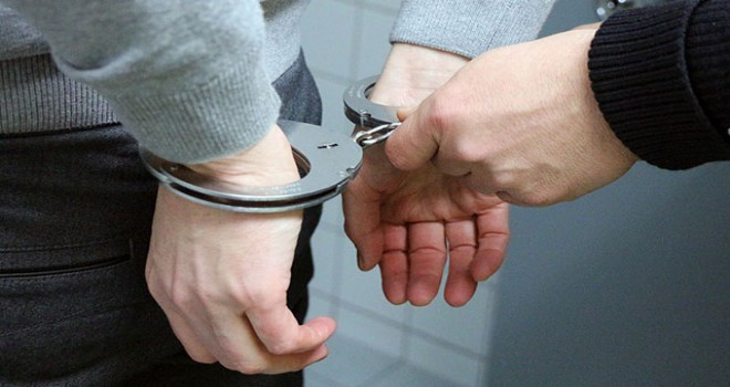 Rüşvet alan memur suçüstü yakalandı