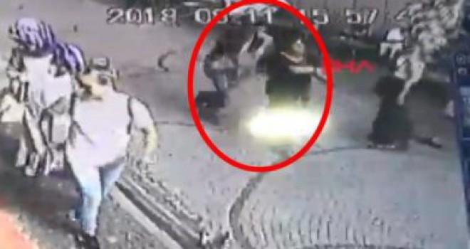 İzmit'te kız arkadaşını sokak ortasında bıçaklayıp kaçtı