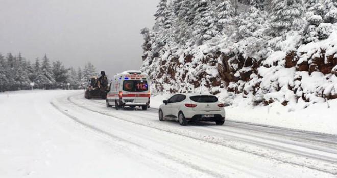 Kar, Antalya- Konya karayolunda ulaşımı aksatıyor