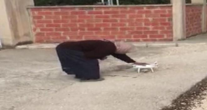 İlk kez drone gören yaşlı kadının tepkileri gülümsetti