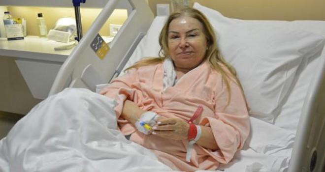 Bedia Akartürk, hastaneye kaldırıldı