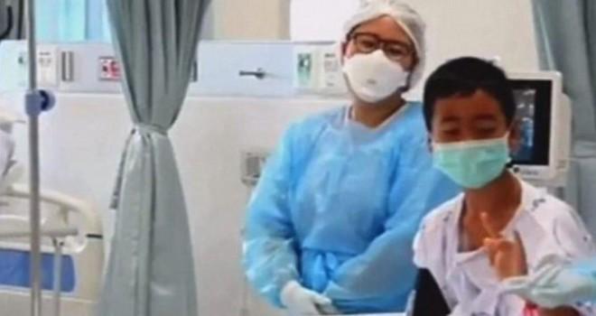 Tayland'da kurtarılan çocuklar ilk kez görüntülendi