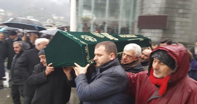 Cumhurbaşkanı Erdoğan'ın vefat eden dayısı toprağa verildi