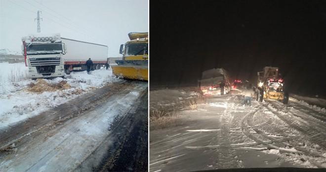 Kırşehir'de kardan kapanan 83 köy yolu ulaşıma açıldı