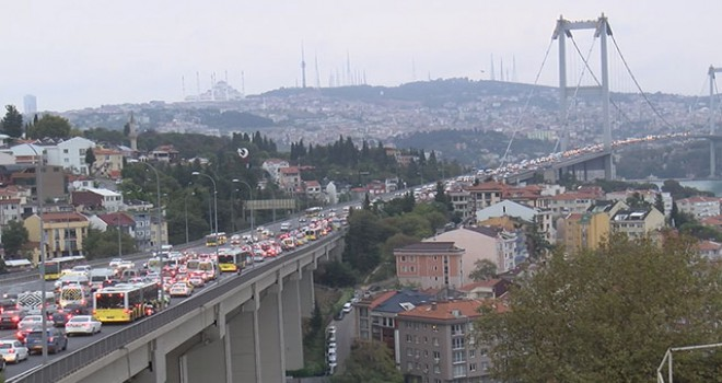 Köprü trafiği kilitlendi