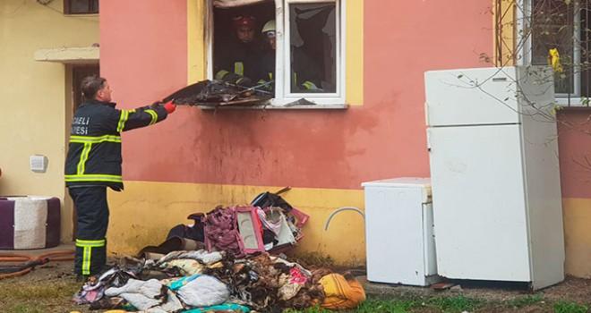 Evde elektrik sobasından yangın çıktı, eşyalar yandı