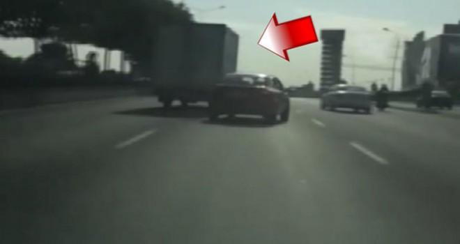 Trafikte tepki çeken olay!