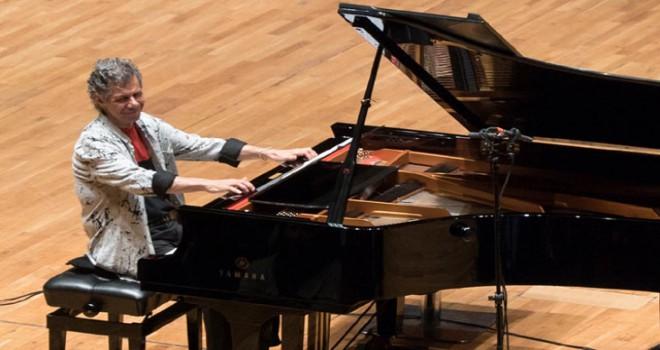 Cazın efsane ismi Chick Corea, İzmir'de konser verdi