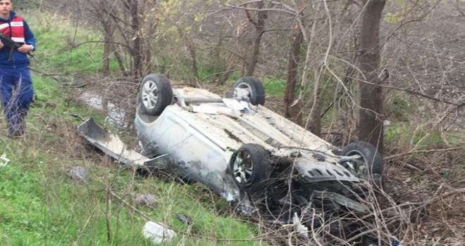 Adana'da 2 otomobil kafa kafaya çarpıştı: 1 ölü, 2 yaralı