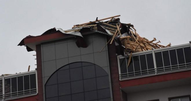 Tekirdağ'da fırtına; eğitim uçuşları iptal edildi