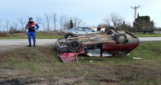 Samsun'da iki otomobil çarpıştı: 1'i ağır, 7 yaralı