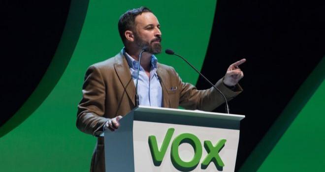 İspanya'da Franco sonrası bir ilk: Aşırı sağcı Vox, Endülüs'te kilit parti oldu