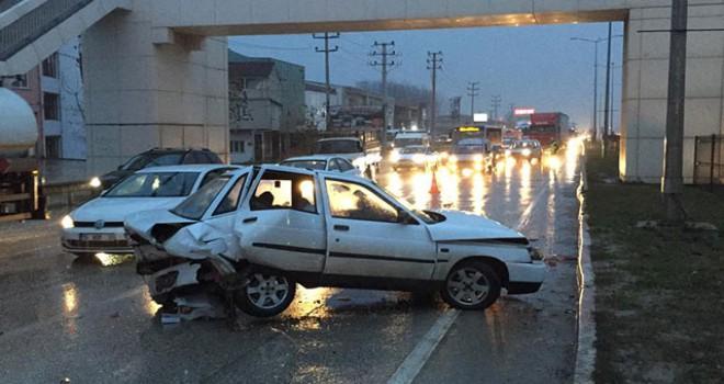 İnegöl'de zincirleme 2 kazada; biri bebek 4 kişi yaralandı