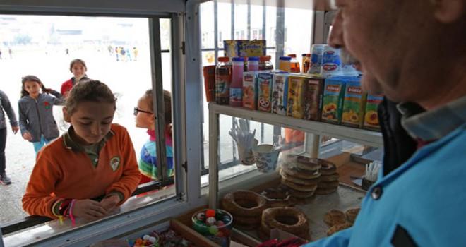 Bakan Pakdemirli: Logosuz ürünler okul kantinlerinde satılamayacak