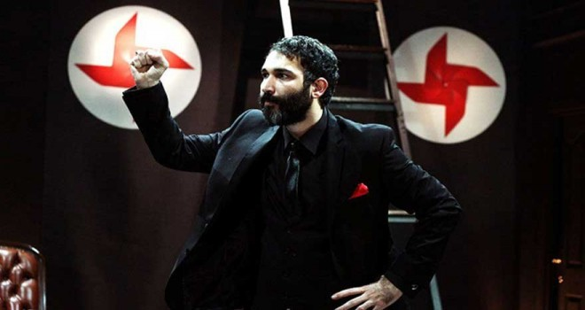 Barış Atay'ın yasaklanan oyunu Sadece Diktatör ile ilgili protesto çağrısı