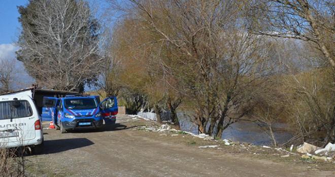 Büyük Menderes Nehri'ne düştü ve kayboldu