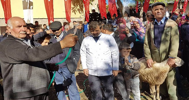 Sivas'ta köylülerin 60 yıl sonra su sevinci