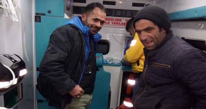 Atlarını ararken 'sis'te kaybolan 3 kişi, donmak üzereyken kurtarıldı