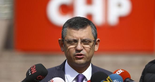 Özgür Özel'den Hulusi Akar'a: Atanmış savunma teknisyeni CHP'ye parmak sallıyor, sana o parmağı sallatmazlar