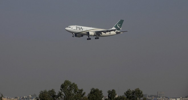 Pakistan Havayolları'ndan çalışanlarına 'Kilo verin' talimatı