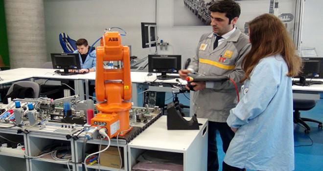 Türkiye'nin ilk Otomotiv Lisesi iş garantili eğitim veriyor